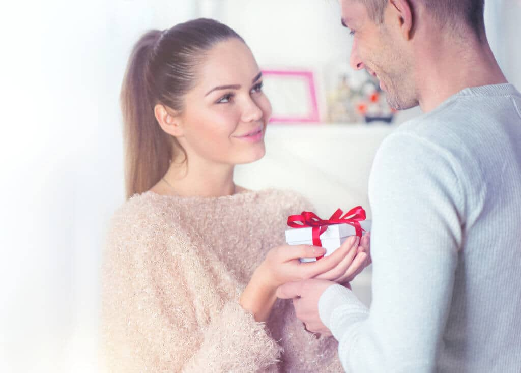CBD Gift Guide: The Best CBD Gifts for Your Significant Other